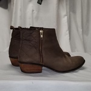 Steve Madden brown suede Nyrvana 9.5